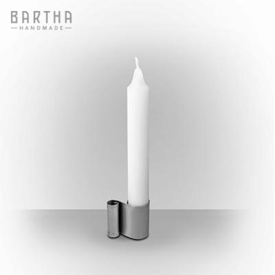 gyertyatartó-fém-rozsdamentes-acél-modern-design-dizájn-minimal-lakberendezés-kézzel-készített-handmade-barthahandmade