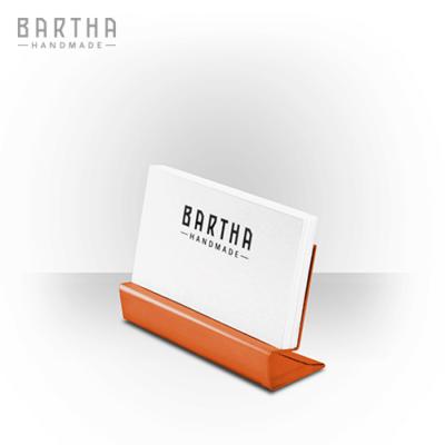 névjegykártyatartó-névjegytartó-fém-réz-vörösréz-modern-design-dizájn-minimal-lakberendezés-kézzel-készített-handmade-barthahandmade