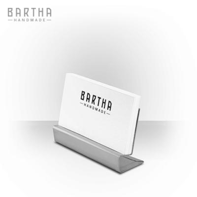 névjegykártyatartó-névjegytartó-fém-rozsdamentes-acél-modern-design-dizájn-minimal-lakberendezés-kézzel-készített-handmade-barthahandmade