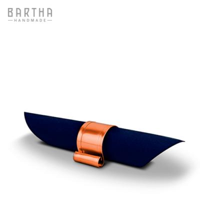 szalvétatartó-szalvétagyűrű-fém-réz-vörösréz-modern-design-dizájn-lakberendezés-kézzel-készített-handmade-barthahandmade